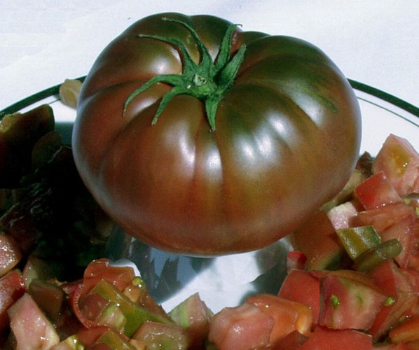 black heirloom tomato